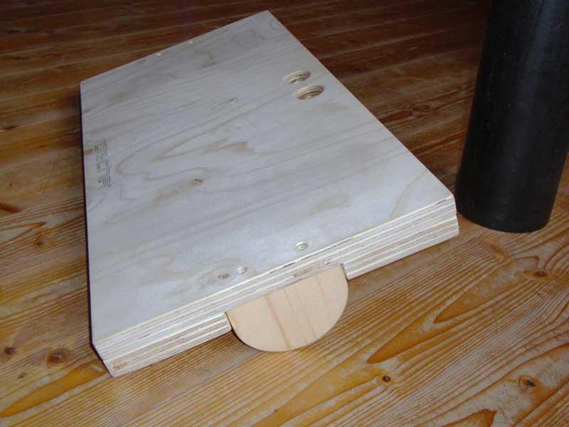 spielmaterial selber herstellen balance board. Black Bedroom Furniture Sets. Home Design Ideas